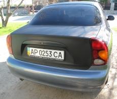 Оклейка автомобиля пленкой черный карбон